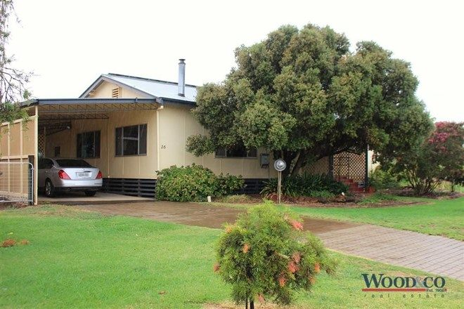 Picture of 16 Scott Street, TOOLEYBUC NSW 2736