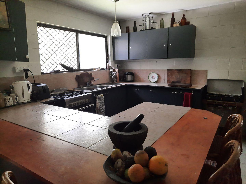 901 Wooroora Road, Millstream QLD 4888, Image 2