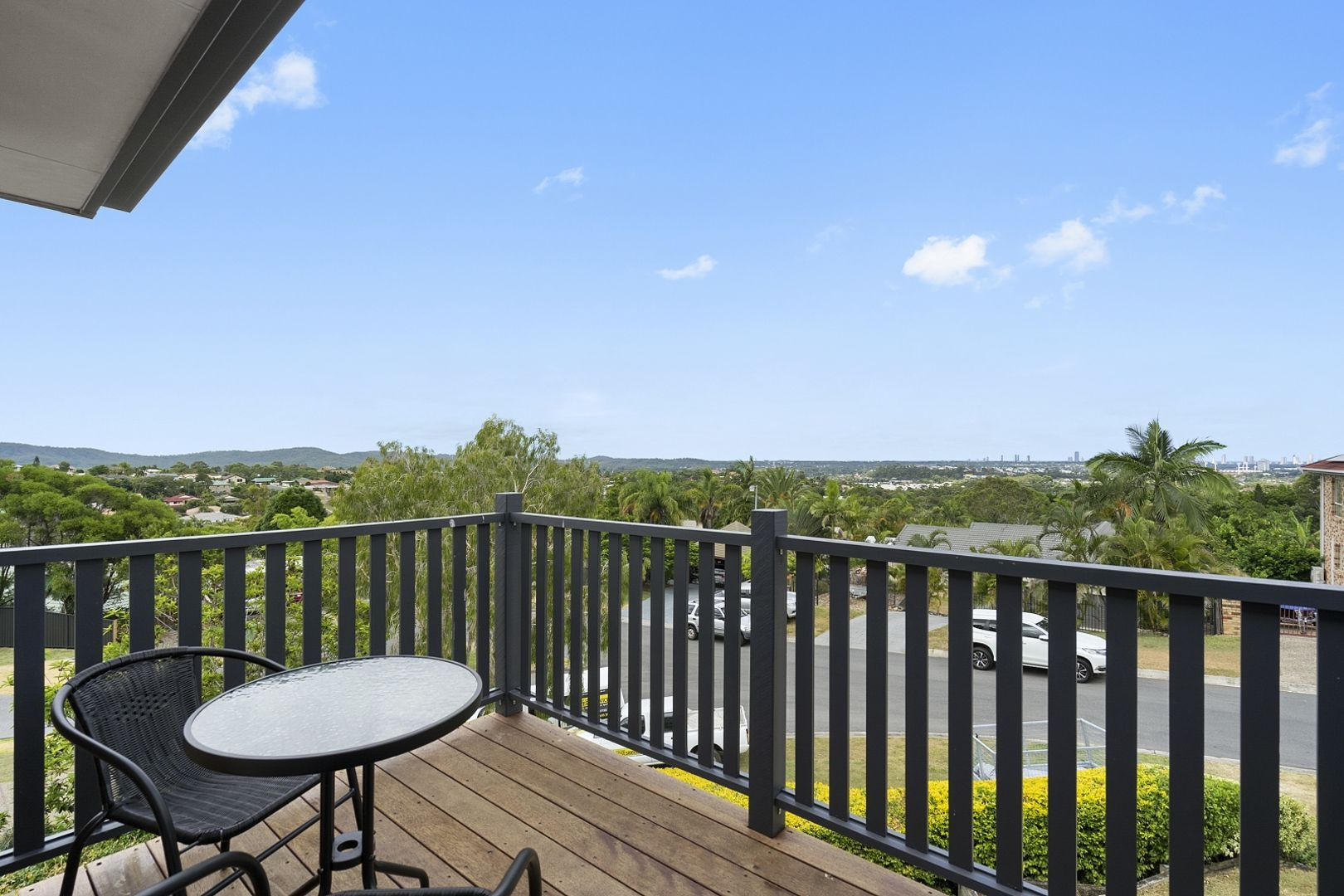 4 Dewar Court, Highland Park QLD 4211, Image 1