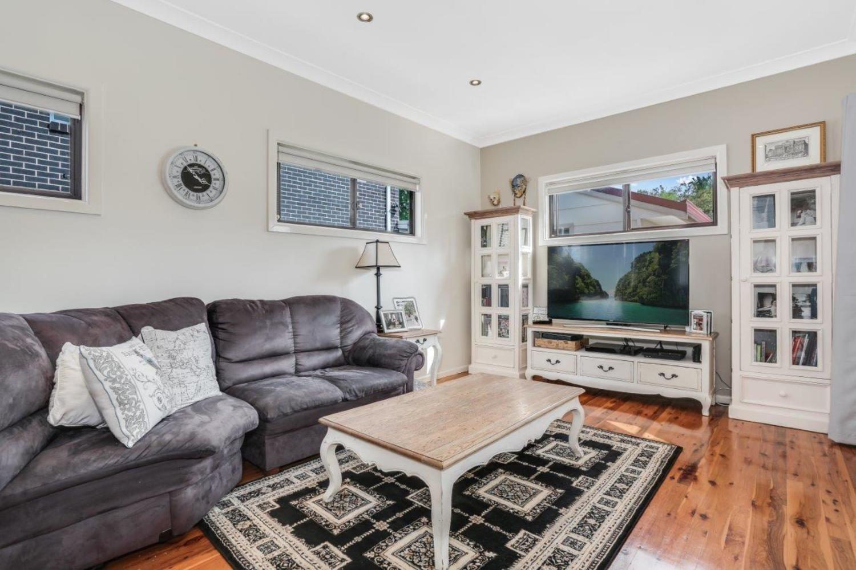 8 Kariwara Street, Dundas NSW 2117, Image 2