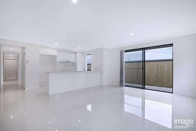Picture of 1/65 Arburry Crescent, BRASSALL QLD 4305