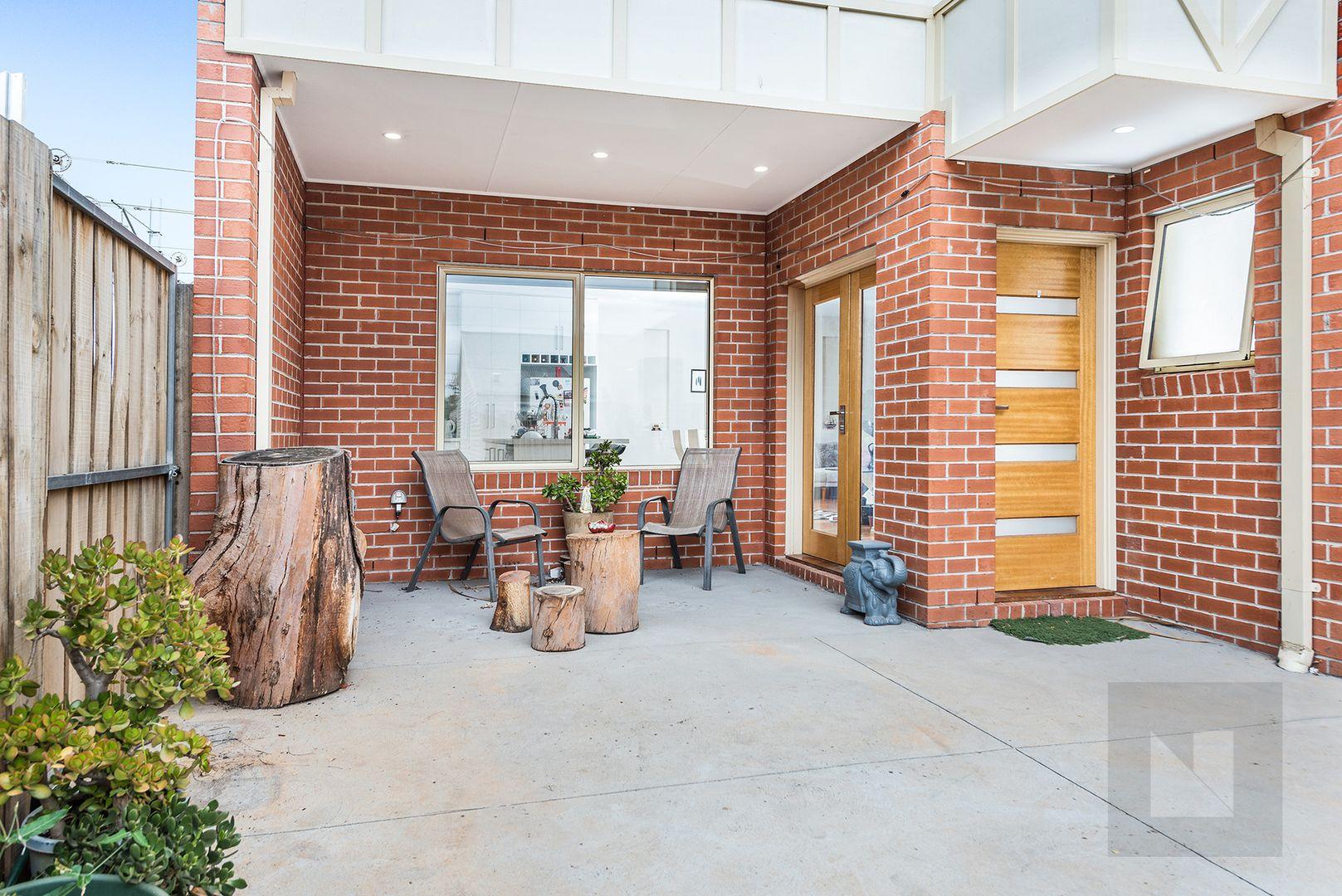 2/19 Errol Street, Footscray VIC 3011, Image 1