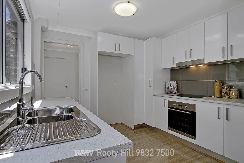 5/25 Surrey Street, Minto NSW 2566, Image 1