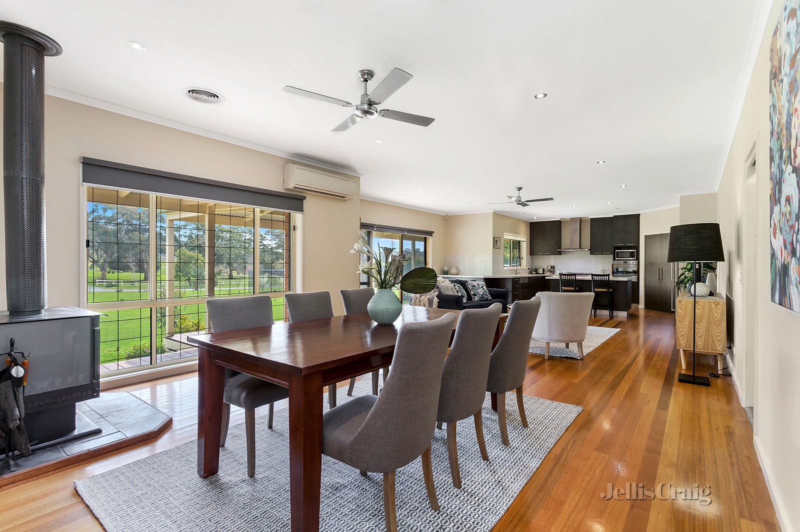 6 Greenwood Grove, Woodend VIC 3442, Image 2