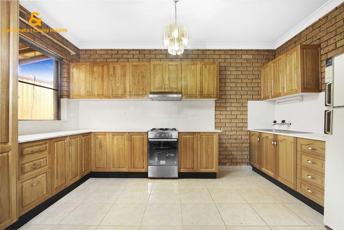 1 Watts Place, Prairiewood NSW 2176, Image 2