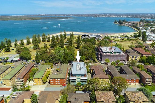 Picture of 203/172 Russell Avenue, DOLLS POINT NSW 2219