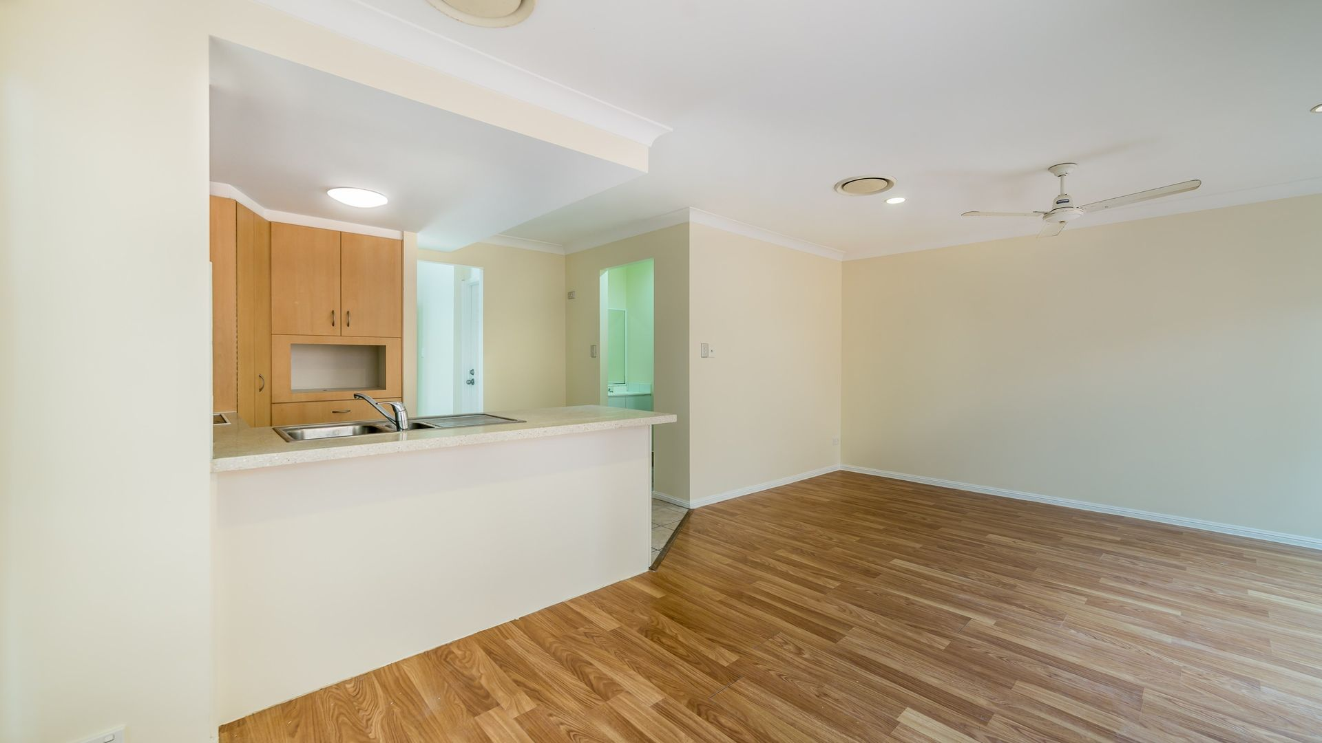 7/105-107 Pohlman Street, Southport QLD 4215, Image 2