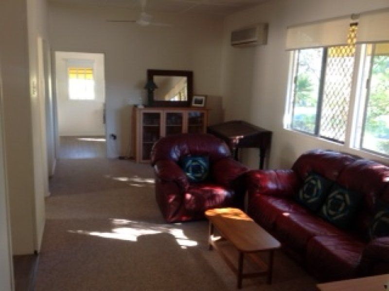 47 Campbell Street, Scarborough QLD 4020, Image 2