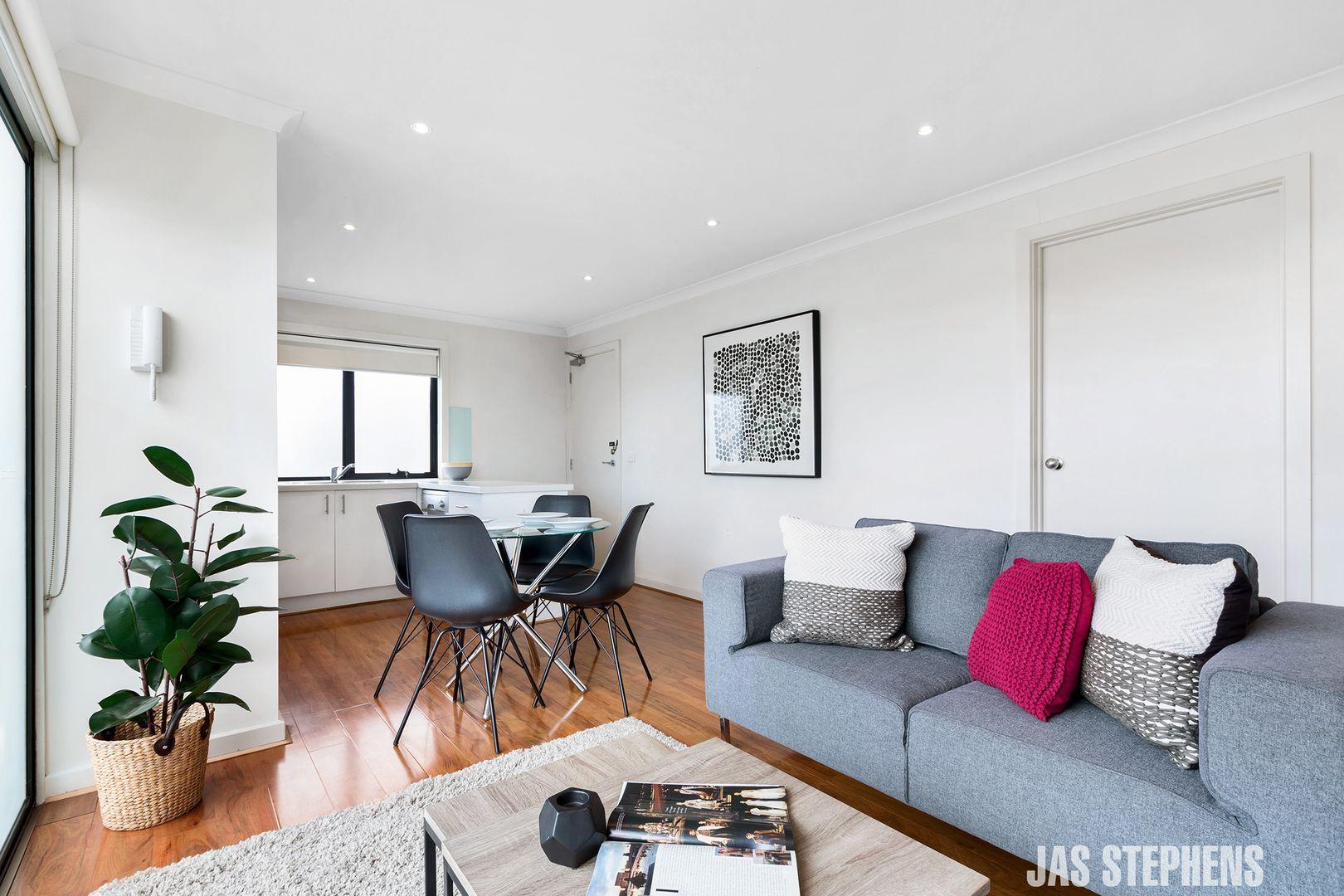 8/4 Eldridge Street, Footscray VIC 3011, Image 2