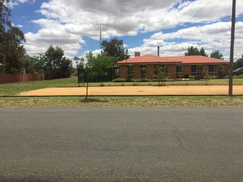 17 Brookong Street, Lockhart NSW 2656, Image 1