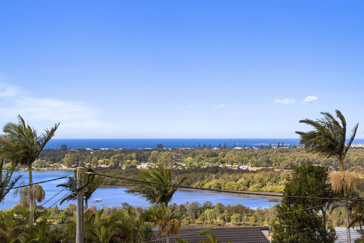5 Blue Haze Crescent, Banora Point NSW 2486, Image 2