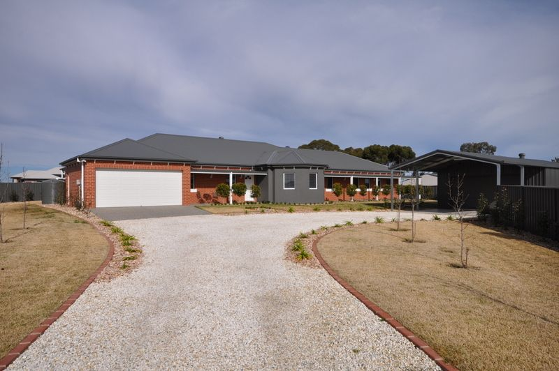40 Hinchinbrook Court, Thurgoona NSW 2640, Image 0