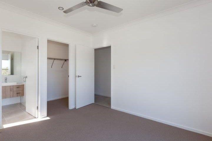 8 Georgina Place, Brassall QLD 4305, Image 2