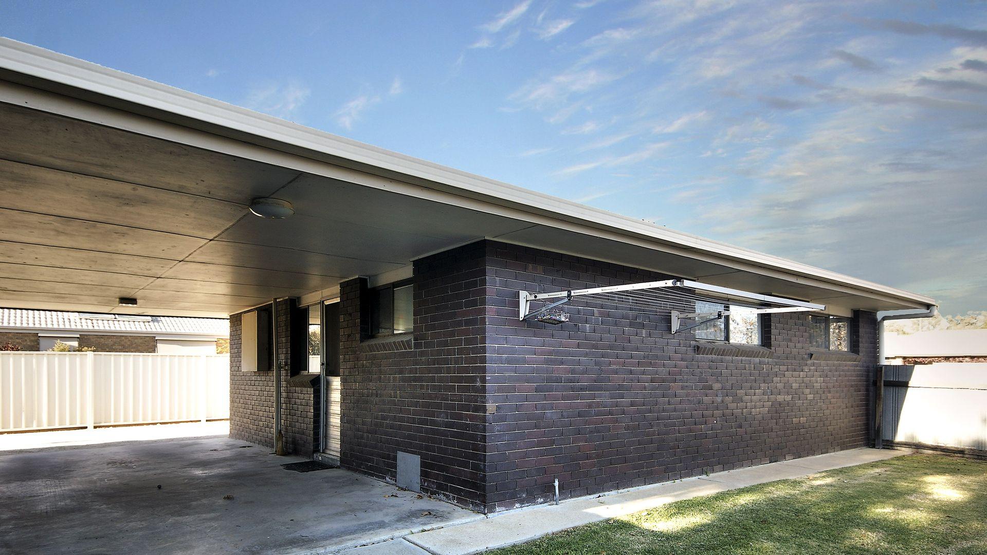 1/249 Victoria Street, Deniliquin NSW 2710, Image 1