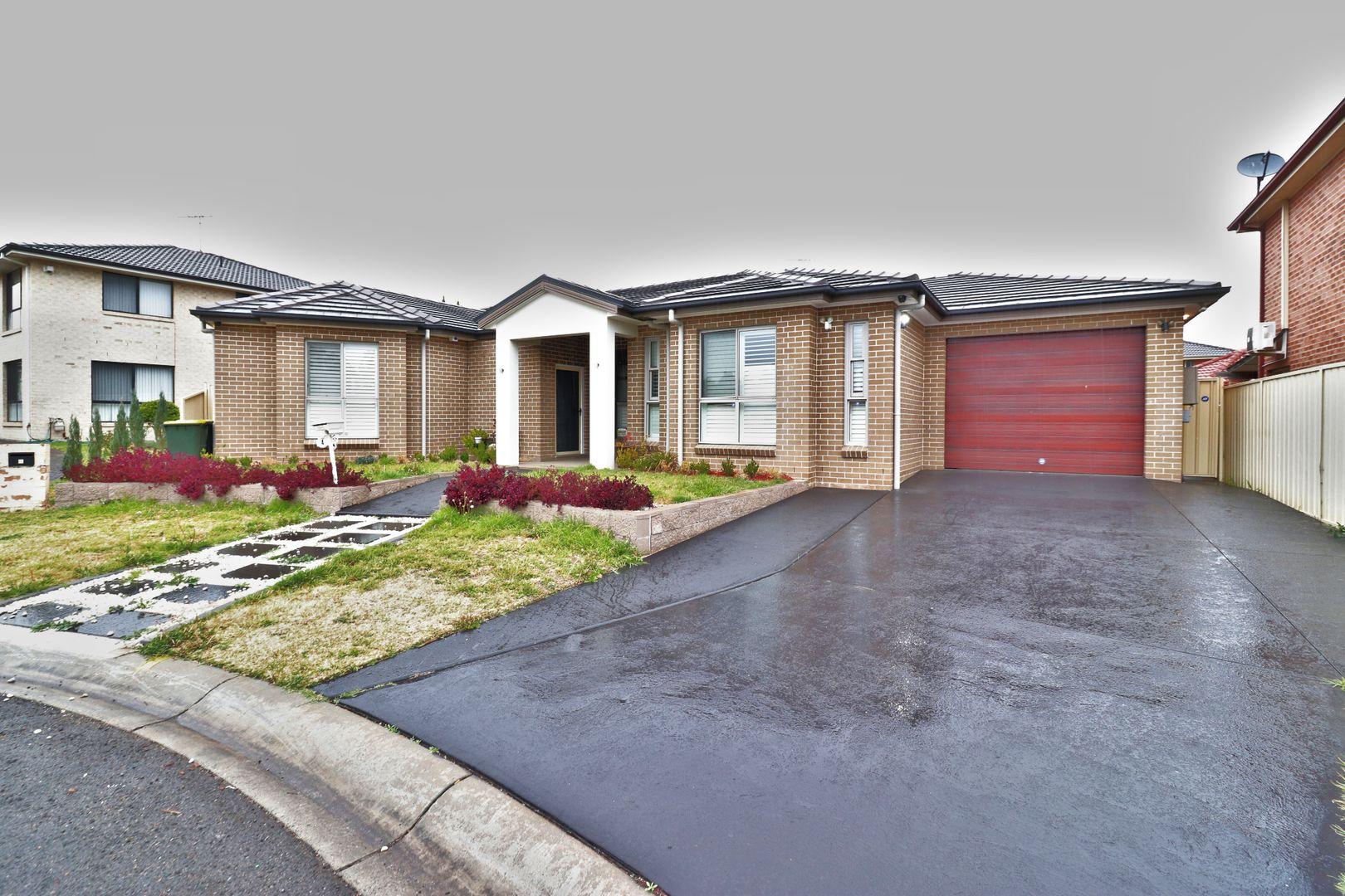 4 HASSARATI PL, Casula NSW 2170, Image 1