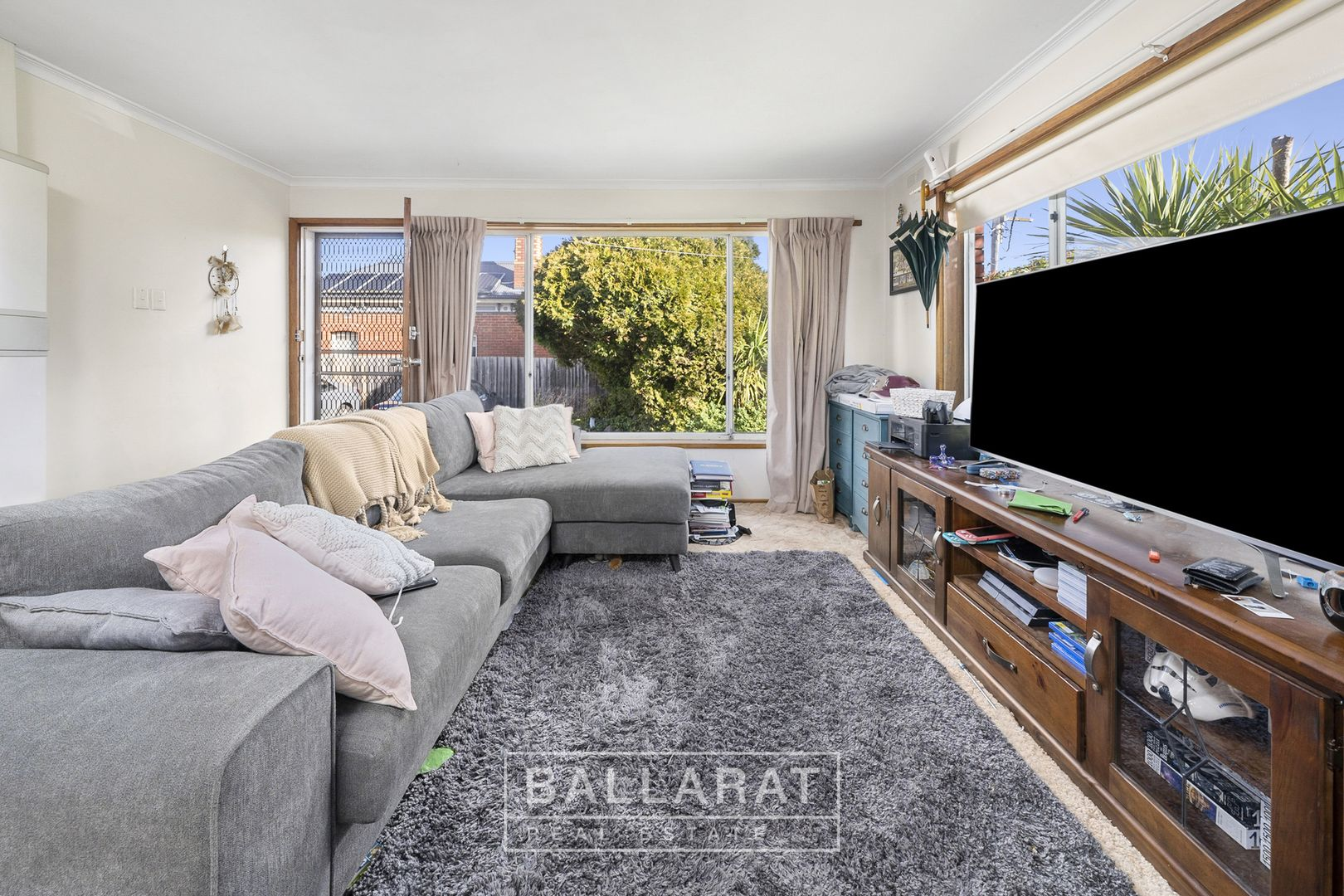 1/430 Ligar Street, Soldiers Hill VIC 3350, Image 2