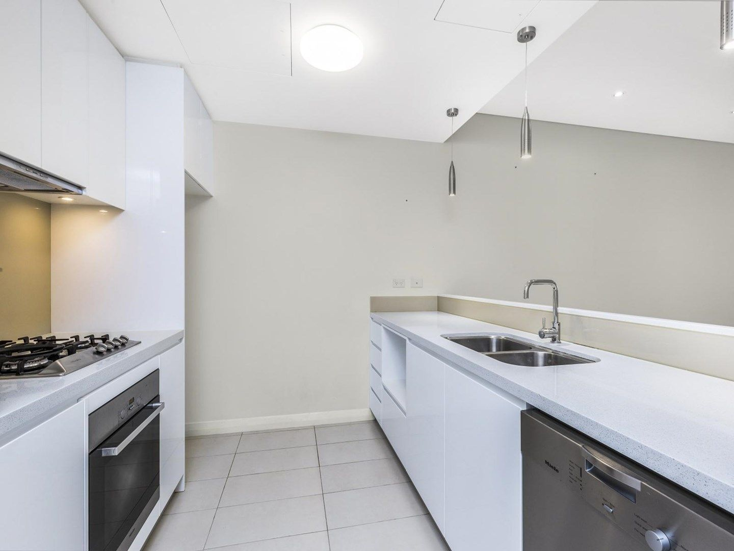 18/2 Clydesdale Place, Pymble NSW 2073, Image 1