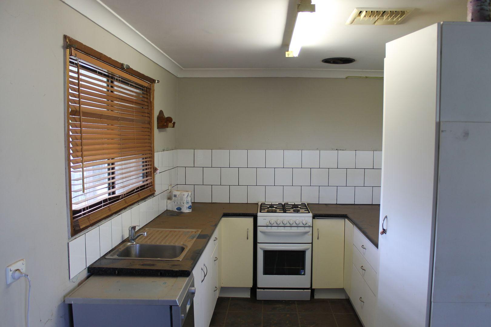 17 Farnell, Euabalong NSW 2877, Image 1
