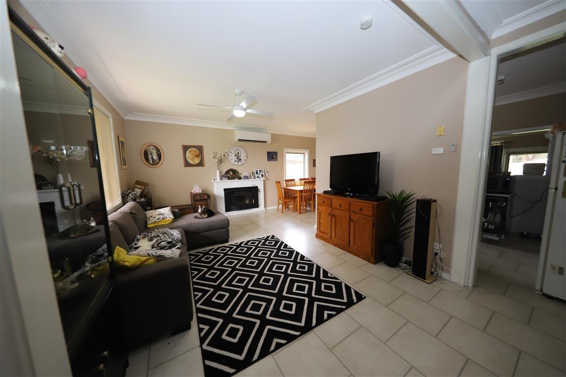 191 Simpson Street, Tumut NSW 2720, Image 2