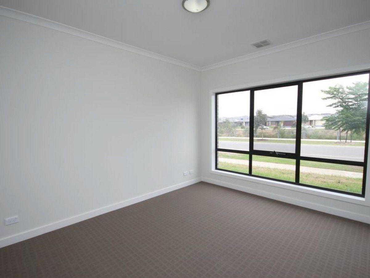 24 Gallantry Avenue, Craigieburn VIC 3064, Image 1