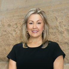 Tracey Dixon, Sales representative