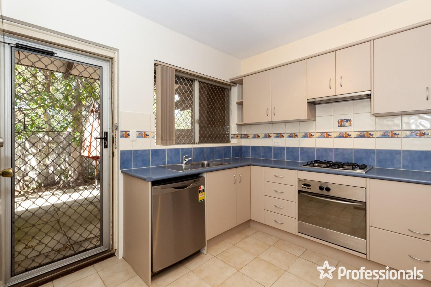 2/3 Marsh Road, Mount Richon WA 6112, Image 0