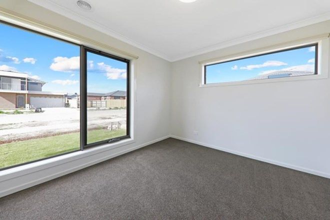 Picture of 3 Westgate Avenue, WALLAN VIC 3756