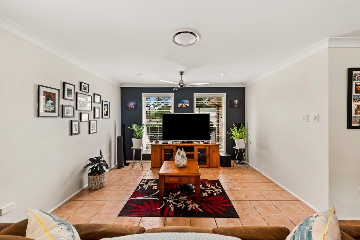 1 Kimdon Crescent, Highfields QLD 4352, Image 1