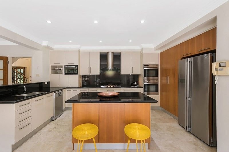 10 Ayres Avenue, St Ives NSW 2075, Image 1