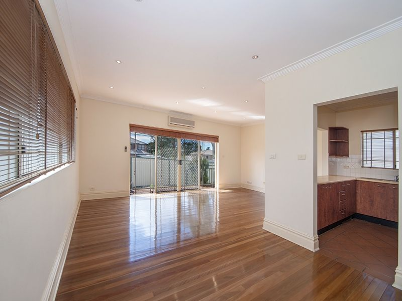 2/83 Queen Street, Revesby NSW 2212, Image 2
