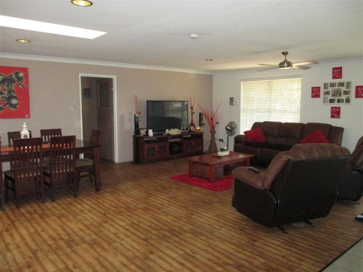 8 Chinnock Court, Alexandra Hills QLD 4161, Image 2