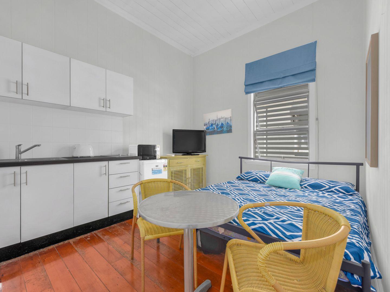 124 Warren Street, Spring Hill QLD 4000, Image 2