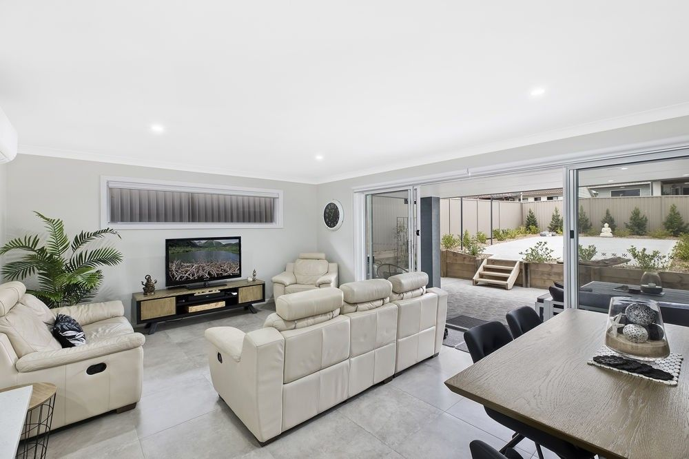 44 Kalulah Avenue, Gorokan NSW 2263, Image 0