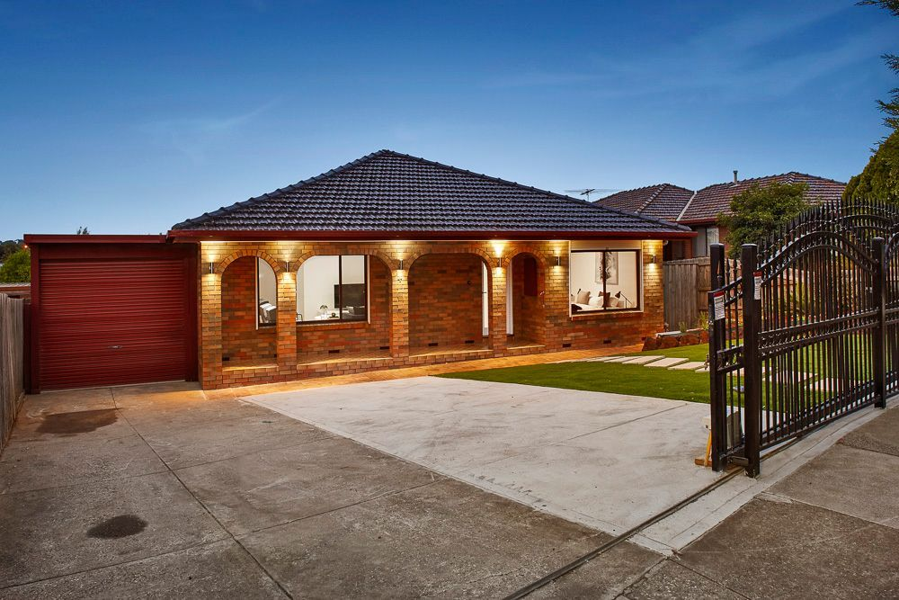4 Larwood Close, Avondale Heights VIC 3034, Image 1