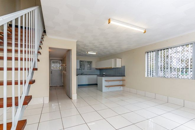 Picture of 1/486 Oxley Avenue, REDCLIFFE QLD 4020