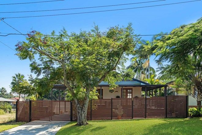 Picture of 124 Arthur Street, WOODY POINT QLD 4019