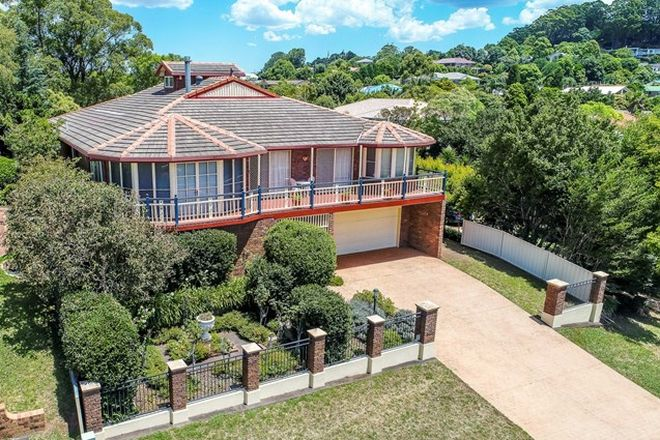 Picture of 28 Harvey Street, MOUNT LOFTY QLD 4350