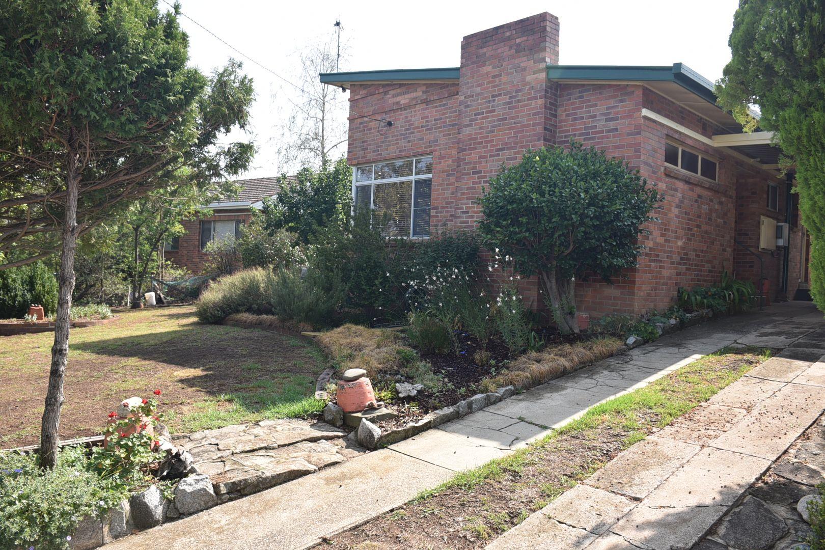 11 Veness Street, Glen Innes NSW 2370, Image 0