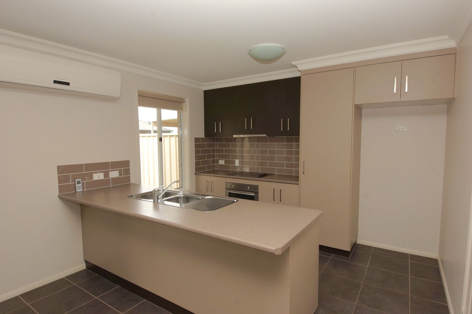 1/2 Debbie Court, Oakey QLD 4401, Image 1