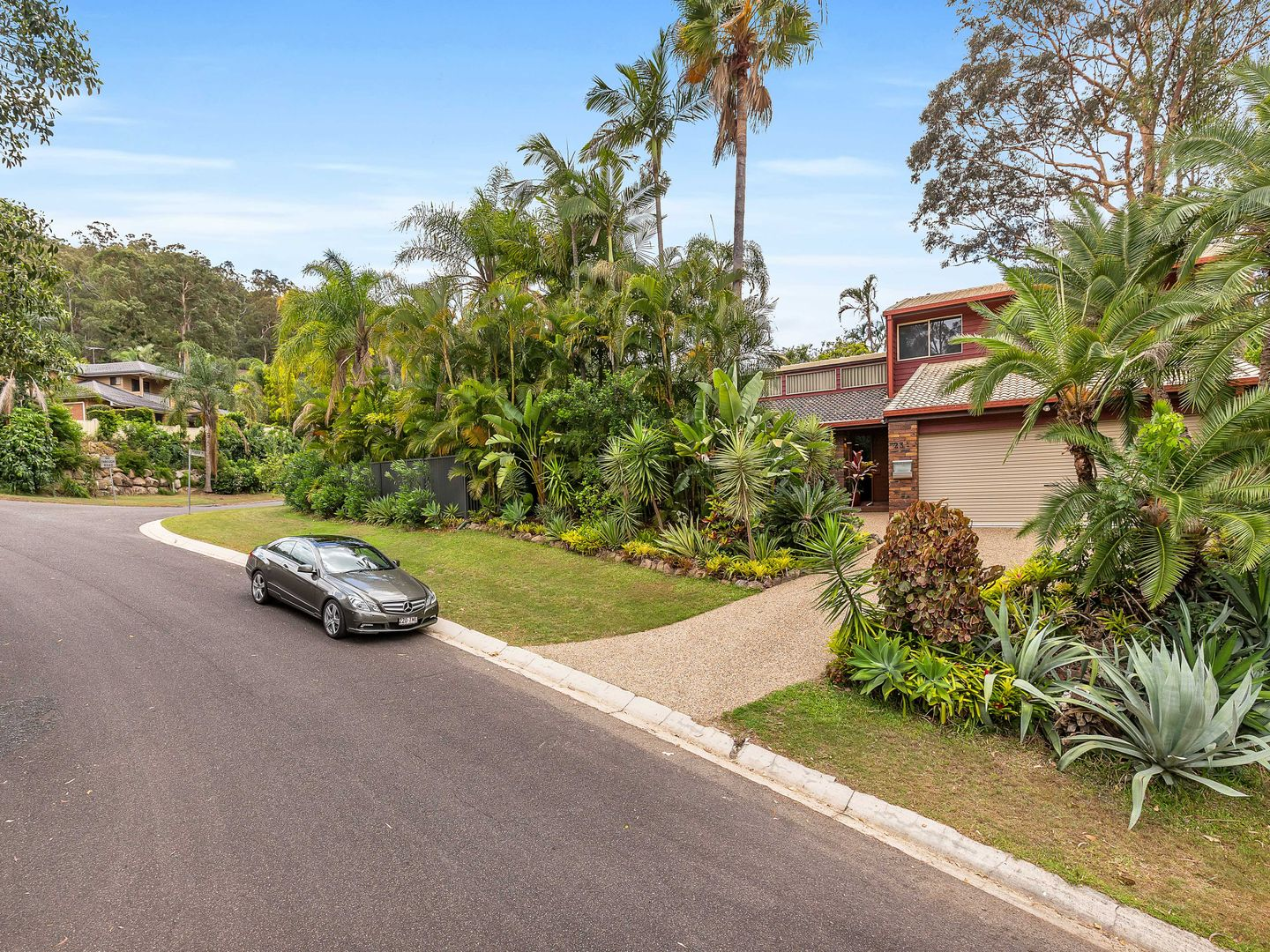 1 Pearra Place, Chapel Hill QLD 4069, Image 0