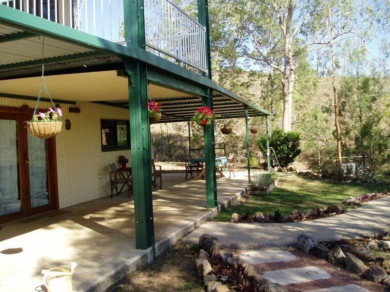 4 Charmaine Road, Ravenshoe QLD 4888, Image 2
