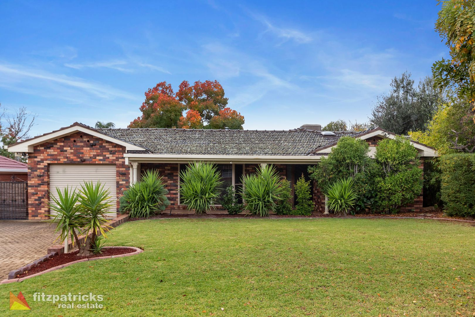 2 Azalea Place, Lake Albert NSW 2650