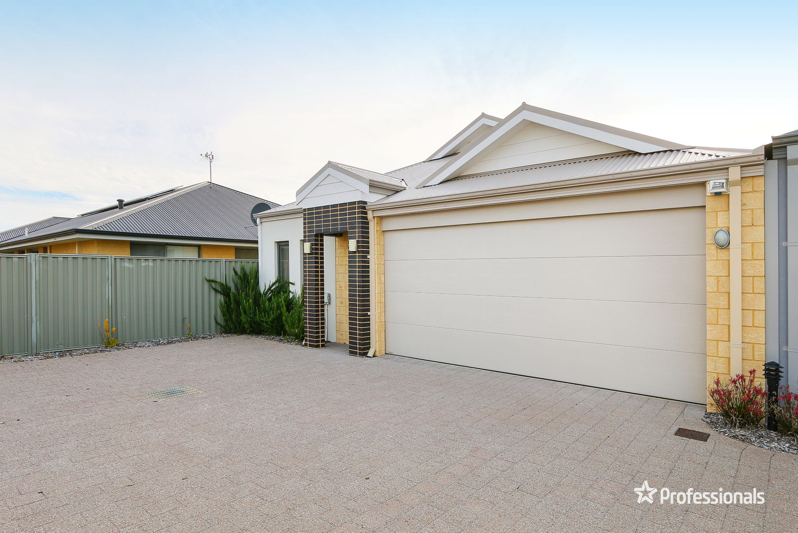 2/2 Whitmore Loop, Harrisdale WA 6112, Image 1
