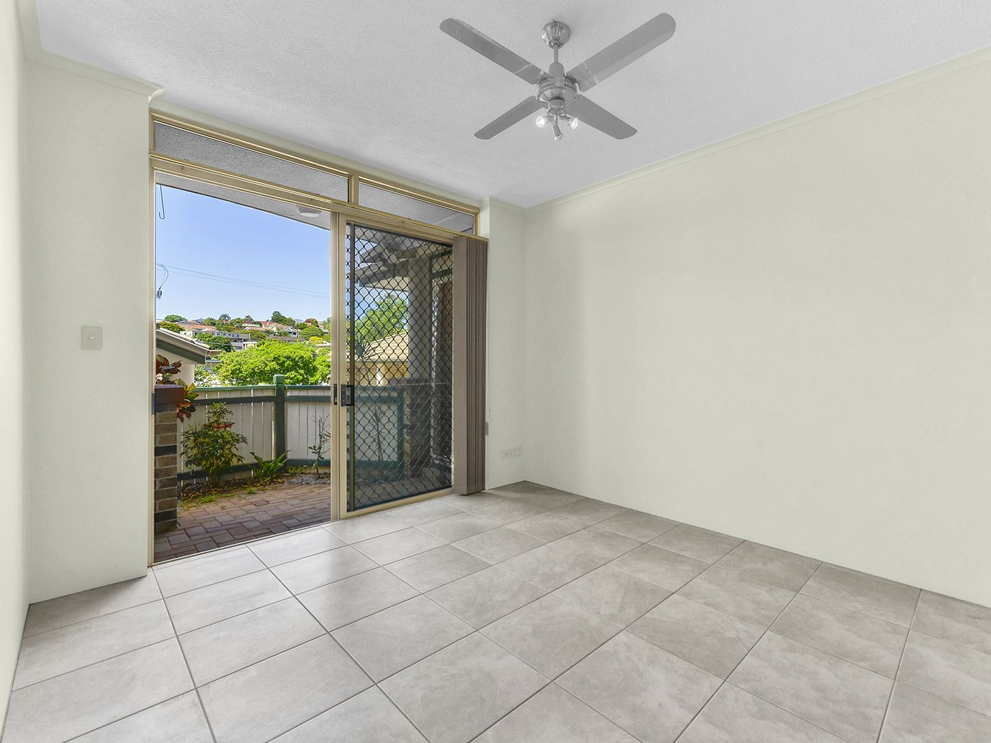 2/15 Reeve Street, Clayfield QLD 4011, Image 2