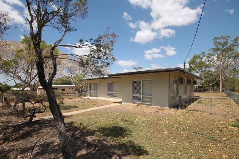 37 OXFORD STREET, Charters Towers City QLD 4820, Image 2
