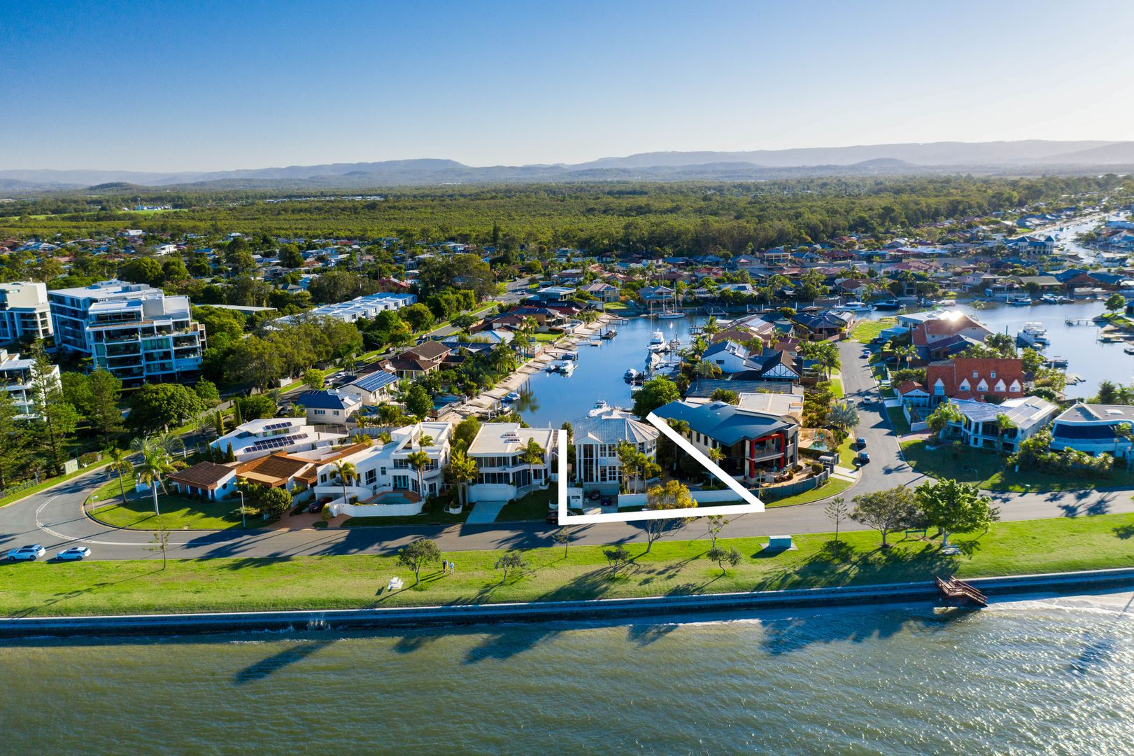8 James Cook Esplanade, Runaway Bay QLD 4216, Image 0