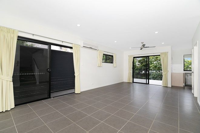 Picture of 2/28 Hood Street, SHERWOOD QLD 4075