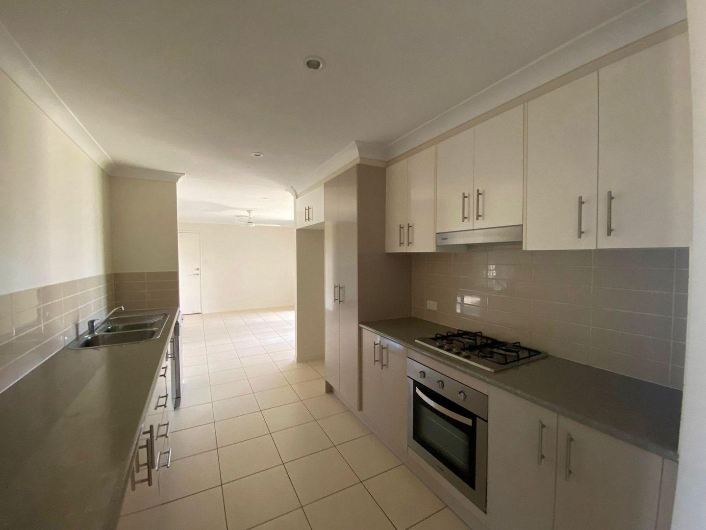 18 Pilkington St, Chinchilla QLD 4413, Image 2