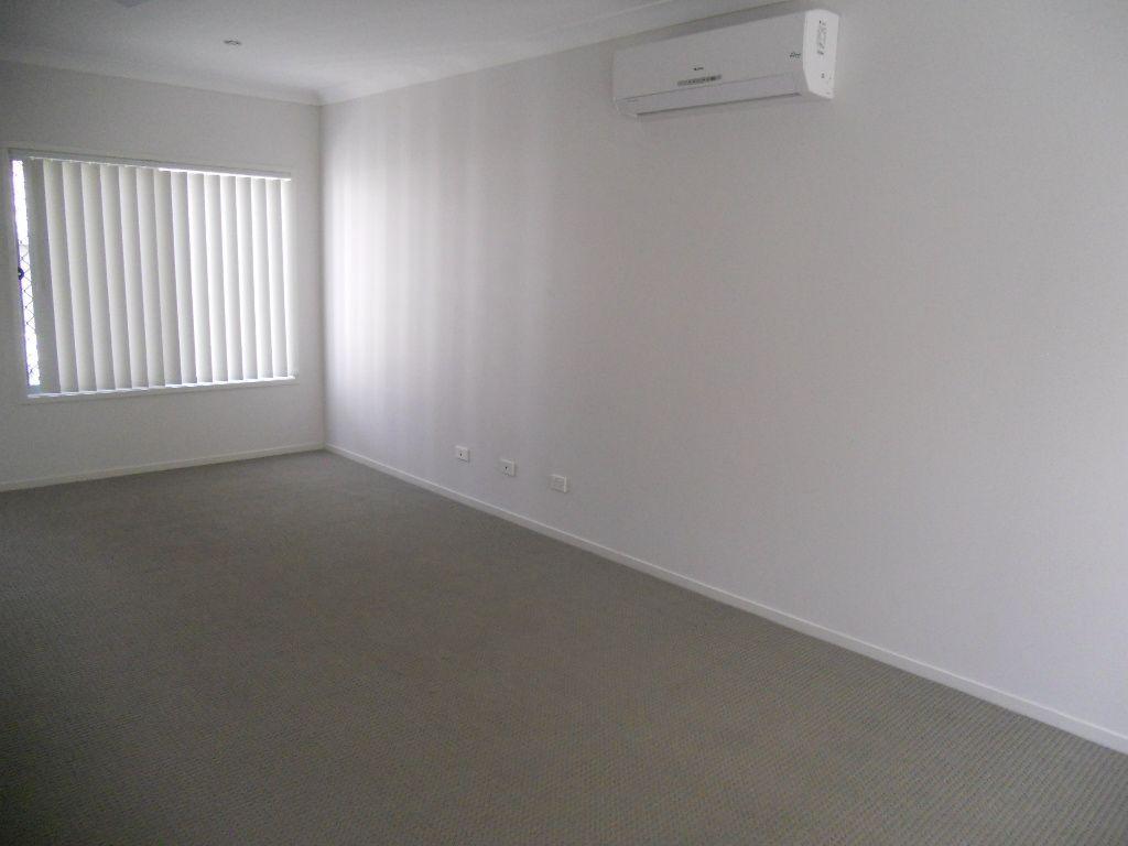 21/45 Blaxland Crescent, Redbank Plains QLD 4301, Image 2