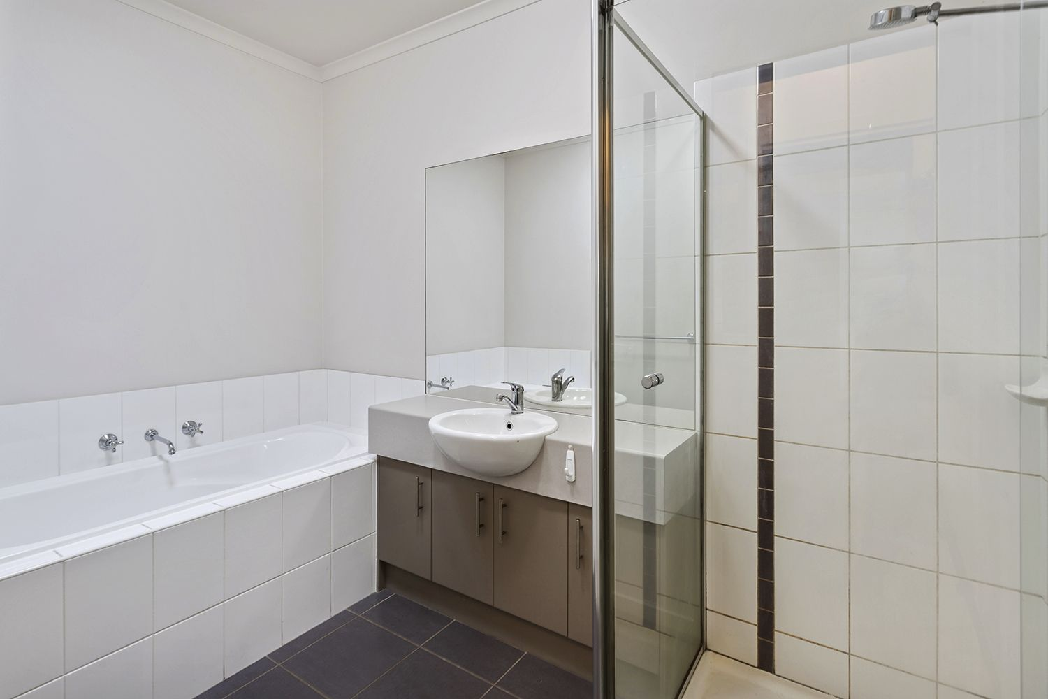 Unit 2/2 Rich St, Noble Park VIC 3174, Image 2